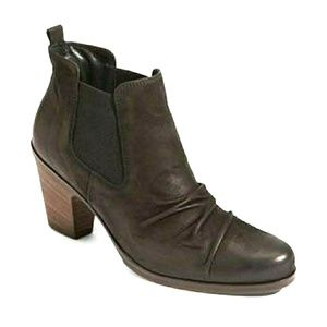 Paul Green Jano Ruched Nubuck booties
